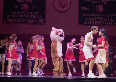 Lyric Theatre's 2007 production of DISNEY'S HIGH SCHOOL MUSICAL. Photo by Wendy Mutz.